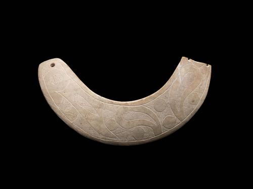 Incised shell gorget